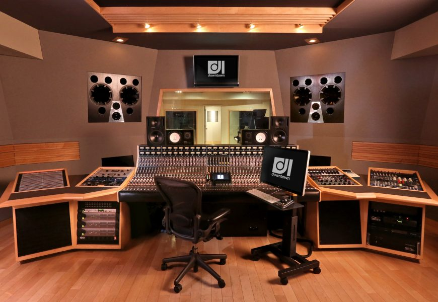 Choosing The Right Recording Studio For Impeccable Music Production
